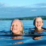 schwimmen im See Dalarna