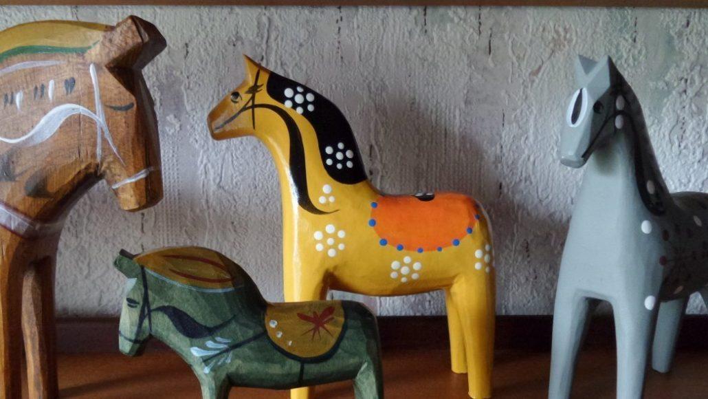 dalapferd dalah st oder dalarna pferd infos zu geschichte schnitzen. Black Bedroom Furniture Sets. Home Design Ideas