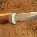 rustikaler Finndolch mit Schmiedemarke auf der Klinge